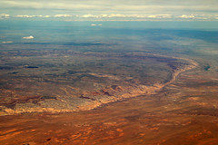 2016_06_02_lax-ewr_447 (dsearls) Tags: river utah flying desert aviation united country canyon aerial erosion rivers geology ual canyons arid aerialphotography jurassic stratigraphy unitedairlines windowseat windowshot weathering 20160602