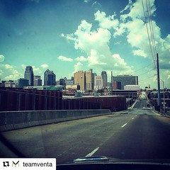 #Repost @teamventa  Team members @cruzbuchanan and @yosefsilver spent the day strategizing and executing together in the beatiful #kansascity this Monday. Few things beat a downtown KC view! #photoofheday #digitalmarketing #igkansascity #downtownkc (Yosef Silver - This American Bite) Tags: food cooking recipes foodie instagram thisamericanbite