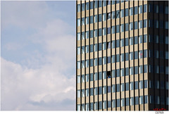 look down / WI#4 of 6 (Lutz Koch) Tags: wiesbaden city hochhaus haus architektur elkaypics sonydschx90