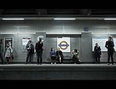 Da Shoreditch Platform Massive (Sven Loach) Tags: uk england blur london station mobile standing canon walking reading movement workers waiting suits sitting britain steel candid platform streetphotography seats shoreditch goinghome hackney publictransport highstreet overground phones commuters eastlondon texting tfl g12