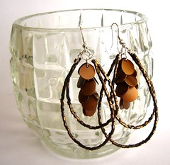 Between gold and copper (d'ekoprojects) Tags: handmadejewelry chandelierearrings handmadeearrings recycledjewelry ecofriendlyjewelry upcycledjewelry bohoearrings bohojewelry