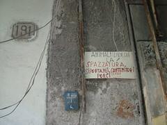 messaggio disperato... (costagar51) Tags: italy italia sicily palermo sicilia anticando regionalgeographicsicilia rgsstreetphotography