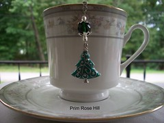 o christmas tree tea (Prim*Rose*Hill) Tags: tea infuser teaball