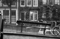 The empty bench (Ray Zandvoort!) Tags: holland netherlands dutch amsterdam 50mm nederland canals mokum jordaan bloemgracht canonef50mmf18ii