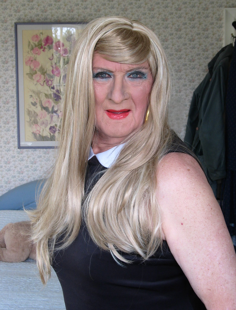Blonde Transvestites 87