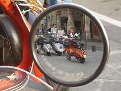 Vespa Piaggio (Napocesco) Tags: pisa vespapiaggio piazzacairoli