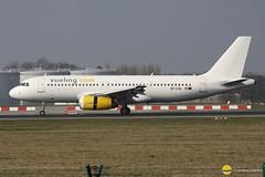 Vueling  EC-LQL  A320-232 (airbus02) Tags: belgique bruxelles airbus a320 zaventem vueling