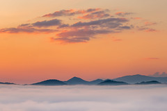 Smoky Mountains Sunrise (K. Stewart) Tags: gsmnp greatsmokymountainsnationalpark greatsmokymountains smokies smokymountains foothillsparkway tennessee easttennessee mountains outdoors nature sunrise canon canon6d canon100400