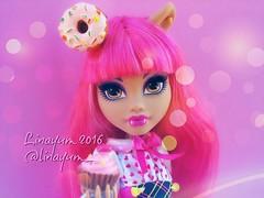 (Linayum) Tags: howleenwolf howleen mh monster monsterhigh doll dolls mueca muecas toys cute kawaii cupcake pink linayum