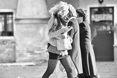 Drei Damen (/Holger Blaskowski) Tags: street handy venedig drei