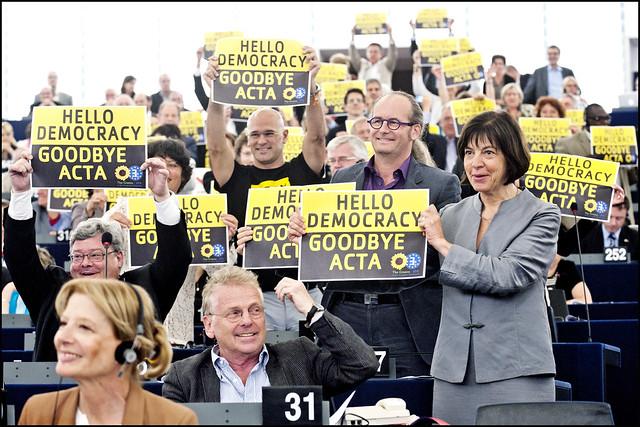 Thumbnail for EU Parliament rejects ACTA