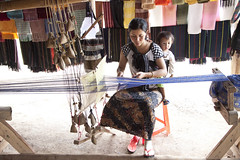 9911 Working the loom--Da Lat , Vietnam (ngchongkin) Tags: child mother silk vietnam autofocus finegold flickridol beautifulaward thebestshot spiritofphotography qualifiedmembersonly thebestshots doubledragonawards dragonflyawards contactaward bestpeopleschoice perfectioninpictures ringexcellence thethreeangelslevel1 theredgroup flickrstruereflection1 flikrstruereflection1 rememberthatmoment clickapic rememberthatmomentlevel1 thelooklevel1red fotoartcircle frindsforever