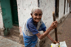 Dadi maa, Kolkata (Marji Lang) Tags: street old travel portrait people woman india smile face smiling walk indian streetportrait age friendly oldwoman kindness dailylife lovely emotional streetcorner kolkata sari oldage calcutta streetshot westbengal travelphotography kalighat republicofindia ef247028l indiansubcontinent oldandlovely canoneos5dmarkii travelanddocumentaryphotography marjilang