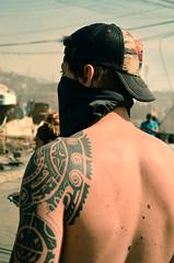 Heroe Annimo (fustterphs) Tags: boy man guy tattoo back body espalda masked tatoo valparaso valpo hooded encapuchado ramaditas heroeanonimo