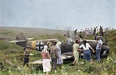 (colorized) Soviet farmers inspect downed German plane. 1941 1055683 #HistoryPorn #history #retro http://ift.tt/1SWFLw6 (Histolines) Tags: history plane farmers retro german colorized soviet timeline 1941 downed inspect vinatage historyporn histolines 1055683 httpifttt1swflw6