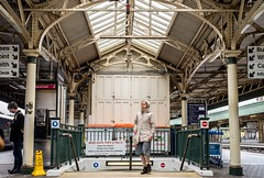 The Portsmouth Harbour service has already departed (Nodding Pig) Tags: uk greatbritain england station bristol railway passengers templemeads 2016 201604302559102crop