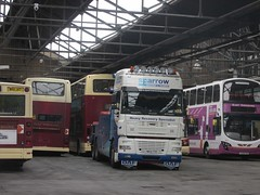 East Yorkshire 670 PN02XBU Anlaby Rd Depot, Hull having been recovered by Sparrow YW54PBV (1280x960) (dearingbuspix) Tags: sparrow 667 recovery eastyorkshire eyms pn02xbu sparrowrecovery yw54pbv