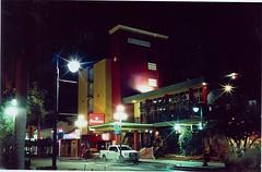 Ramada at night (Stephen Hilton) Tags: canonetgiiiql17 ektar100
