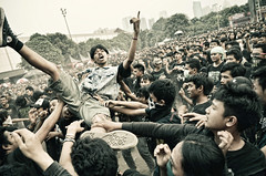 Moshing 2 (syukaery) Tags: music festival rock metal indonesia concert stage extreme band jakarta senayan 1755mm hammersonic