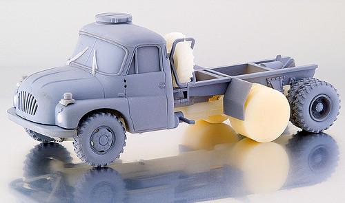 12700 Tatra 138
