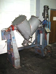 5 cu ft Patterson Kelley Twin Shell Vee Blender, stainless steel - Item# 2147 (Ingalls Process Equipment Company) Tags: industry feet foot cu industrial 5 five steel aaron shell twin plastic equipment company v kelley co patterson blender ft process federal stainless ingalls chemical pattersons kelleys cubic manufacturing mckeen ipeco vblender pattersonkelley ipeco77