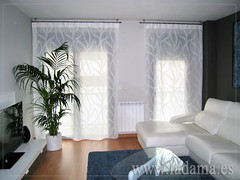 "Cortinas estiradas con barra de acero • <a style=""font-size:0.8em;"" href=""http://www.flickr.com/photos/67662386@N08/7541647380/"" target=""_blank"">View on Flickr</a>"