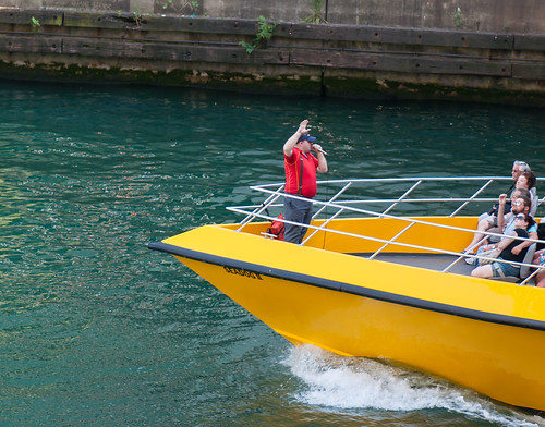 summer chicago tourism yellow boat streetphotography chicagoriver seadog chicagoist