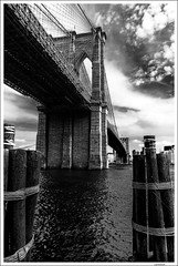 Brooklyn Bridge (Lanfranco_B) Tags: new york city bridge bw usa white black brooklyn suspension manhattan bridges ponte eastriver bianco nero 1883 spanning