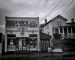 Helton's Feed & Seed (Pete Zarria) Tags: ohio food pet sign rural farm seed coke crop feed