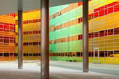 We kunnen het niet leuker maken, wel kleuriger (4) (Helder(e) plaatjes) Tags: colors lines architecture office colours ladefense tax plaatjes almere lijnen vlakken belastingkantoor belastingdienst uwv heldere archtitectuur wwwheldereplaatjesnl