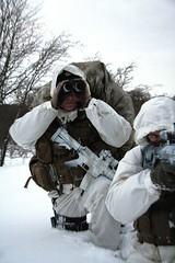finskyttehjælper / spotter / observatør (ssr.dk) Tags: winter scout camouflage sniper sako marksman spotter spejder skydning hjemmeværnet patrulje scoutsniper chestrig hk417 trg42 observatør patruljetjeneste kampvest finskytte finskytter snipersupportriffle vintersløring eaglekampvest finskyttehjælper