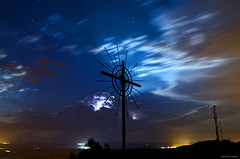 CALMA (navarrito79) Tags: sky moon storm lightpainting stars luces luna cruz cielo nubes estrellas tormenta rayo largaexposicin vacrucis