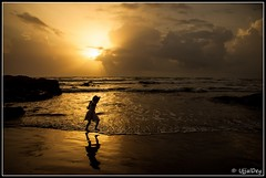 Freedom (ujjal dey) Tags: sunset sea silhouette freedom kid goa dreams arabiansea vagatorbeach northgoa ujjal goldenhue nikond90 nikon18105mm ujjaldey ujjaldeyin