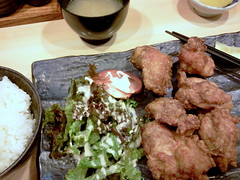 Karaage ( deep-fried chicken ) lunch set from Kuchan @ Ichigaya (Fuyuhiko) Tags: from chicken set lunch tokyo    deepfried ichigaya   karaage  kuchan