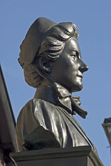 Sculpture of Edith Cavell, Norwich (mira66) Tags: sculpture statue bronze norfolk norwich plinth edithcavell tombland