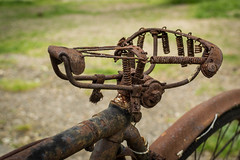 Old rusty saddle (-Baptiste Coub-) Tags: bokeh outdoor rouen seinemaritime 35mn exterrieur d3100 baptistecoubronne