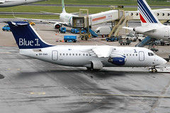 Blue1 | Avro RJ85 | OH-SAO | Amsterdam Schiphol (Dennis HKG) Tags: amsterdam plane canon airplane airport aircraft schiphol ams blue1 kf avro bae146 30d eham planespotting blf britishaerospace rj85 regionaljet staralliance