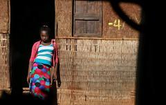 Sur la route de Dila - Ethiopie (jmboyer) Tags: eth1890 ©jmboyer lonely gettyimages nationalgeographie tourism lonelyplanet canoneos canon photo travel voyage géo yahoo flickr afriquedelest eastafrica ethiopianwoman imagesgoogle googleimage impressedbeauty nationalgeographic viajes photogéo photoflickr photosgoogleearth photosflickr photosyahoo canonfrance picture photography 7d portrait face visage ethiopie ethiopia afrique africa etiopija googlephotos retrato photos getty images photoyahoo ኢትዮጵያ አፍሪቃ äthiopien