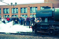 Flying Scotsman Crowds (Richard Croft136) Tags: york people celebrity green station flying br 10 yorkshire main north platform railway excited steam line busy locomotive preserved railways crowds scotsman 4472 excitment 60103 photogrophers