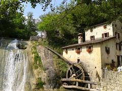 Molinetto della croda (zambi74) Tags: italy italia roccia acqua mulino treviso cascata veneto macina xvii croda marcatrevigiana molinetto refrontolo molinettodellacroda valledellierza