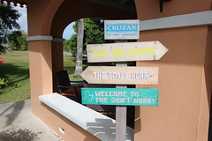 Welcome to the Don't Hurry (Like_the_Grand_Canyon) Tags: us rum signpost wegweiser