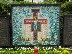 zale_grave1 (Wiebke) Tags: ljubljana slovenia europe vacationphotos travel travelphotos ale alecentralcemetery cemetery centralnopokopalieale pokopalie beigrad bezigrad