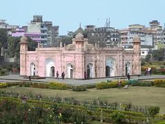 Tomb of Bibi Pari (D-Stanley) Tags: fort dhaka bangladesh lalbagh bibipari