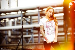 Charlotte Moran (Rick Nunn) Tags: roof red brick london tattoo ginger charlotte pipes rick tshirt lane flare moran growl nunn grandeur canonef135mmf2l leggins strobist