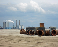 Maasvlakte2 (Harry -[ The Travel ]- Marmot) Tags: new urban plant haven man holland beach netherlands dutch proud clouds strand port project coast rotterdam sand rust industrial open space empty pipes tubes nederland rusty noordzee wolken made northsea future land electricity coastline maas industrie zone waterway roest rijkswaterstaat zand kust luchten zuidholland buizen ruimte leeg civilengineering eon vergezicht leegte toekomst civieletechniek dutchclouds hollandse toekomstig hollandseluchten waterweg electriciteitscentrale vergezichten handgemaakt reclamed verkeerenwaterstaat wijdsheid industriegebied mainport tweedemaasvlakte maasvlakte2 maasvlaktetwee opgespoten