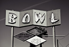 Southwest Bowl (TooMuchFire) Tags: signs typography losangeles bowling americana googie neonsigns midcentury lightroom vintagesigns vintageneonsigns roadsidesigns vintagesignage bowlingalleys googiesigns losangelessigns oldneonsigns lightroom3 bowlingalleysigns southwestbowl toomuchfire midcenturytype googietypography 11633swesternavelosangelesca