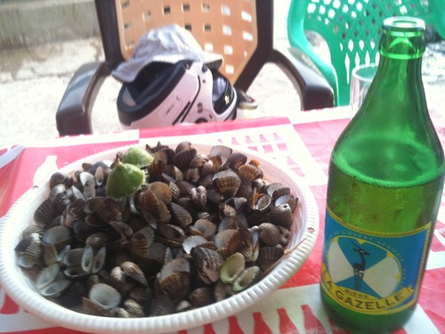 Beer and clams