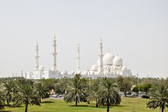 Sheikh Zayed Mosque (marin.tomic) Tags: city travel palms religious nikon asia dubai minaret muslim islam uae mosque holy abudhabi dome arabia arabian unitedarabemirates gettyimages vae d90 sheikhzayedmosque