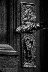 Knock Knock 192/366 (Skley) Tags: door photography photo foto fotografie creative picture commons cc creativecommons bild tr doorhandle licence latch kreativ trgriff klinke lizenz 192366 skley dennisskley