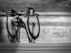 . (piriskoskis.) Tags: shadow bike port bici matar maresme mataro espig